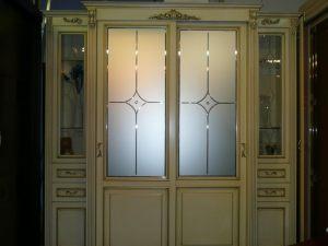 Классический шкаф купе массив с фацетными зеркалами и гравировкой Казань
