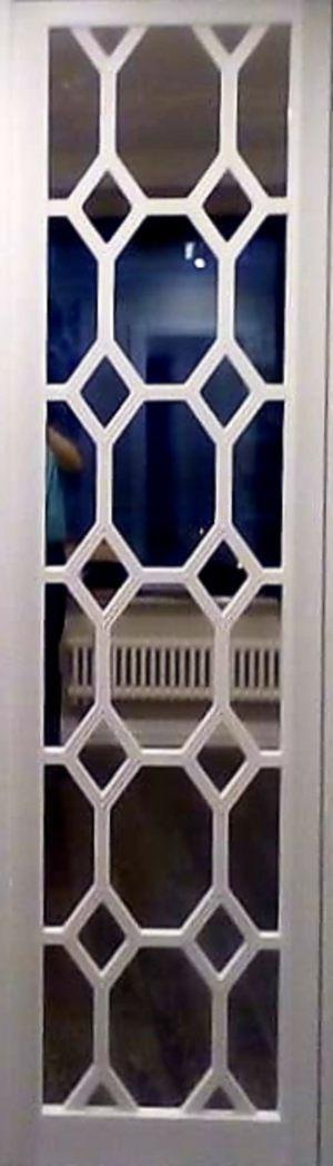 Вставка с фигурной филенкой на зеркале эмаль Казань